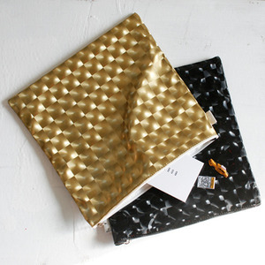 trick art big pouch-gold